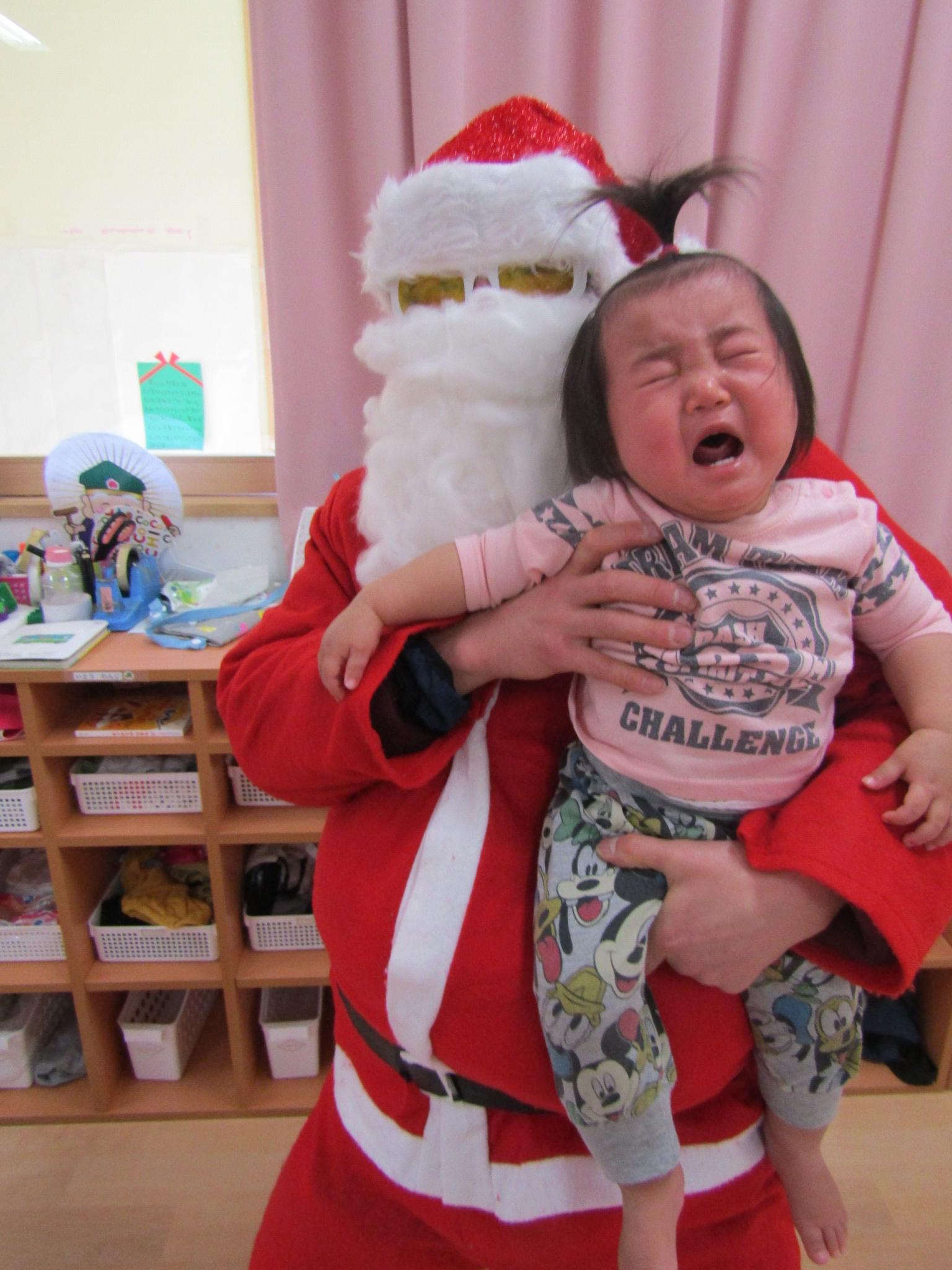 クリスマス・サンタがやってきた(松原カリーノ保育園)